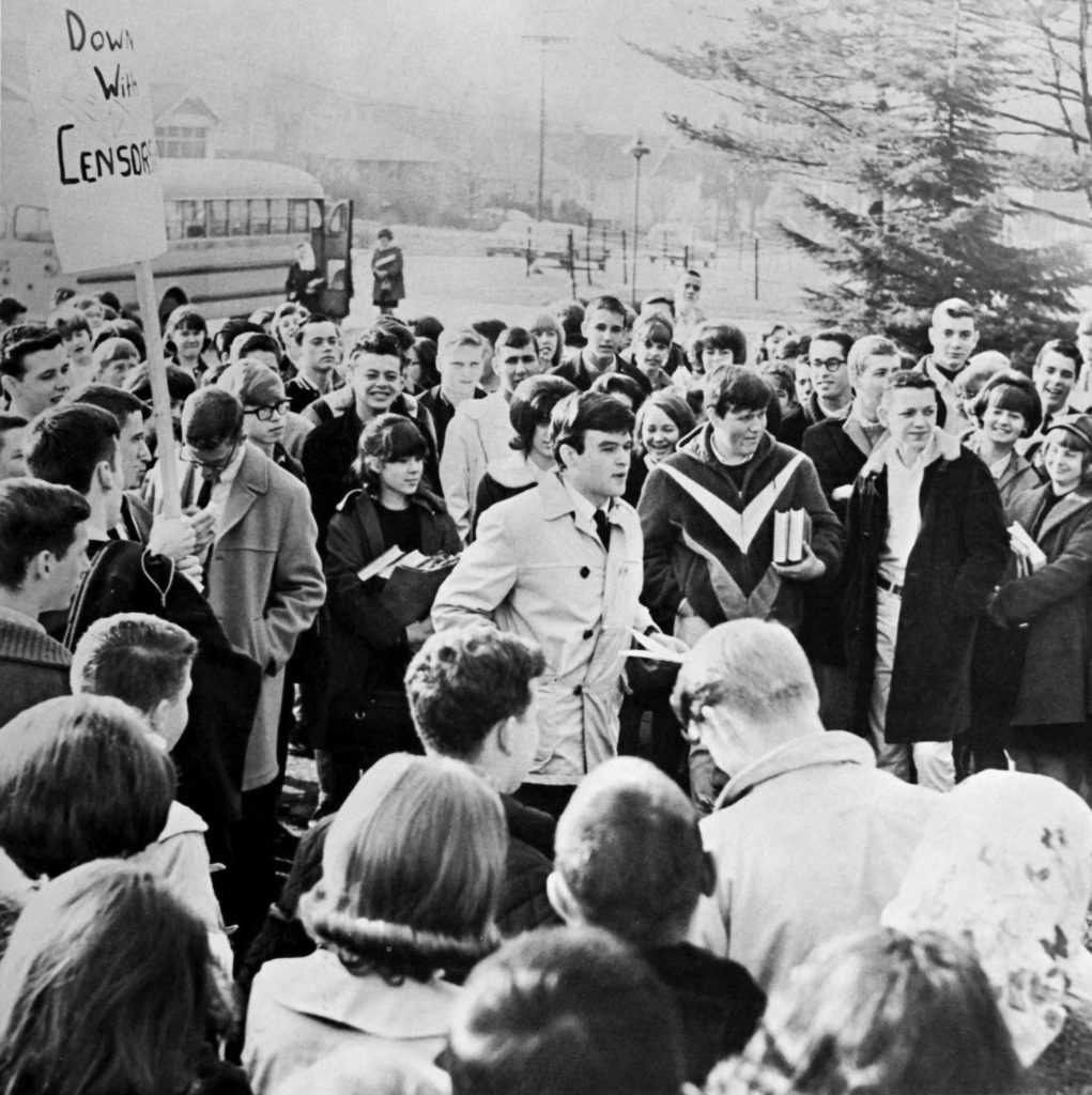 Washington-Lee students protest censorship (1965 Blue and Gray)